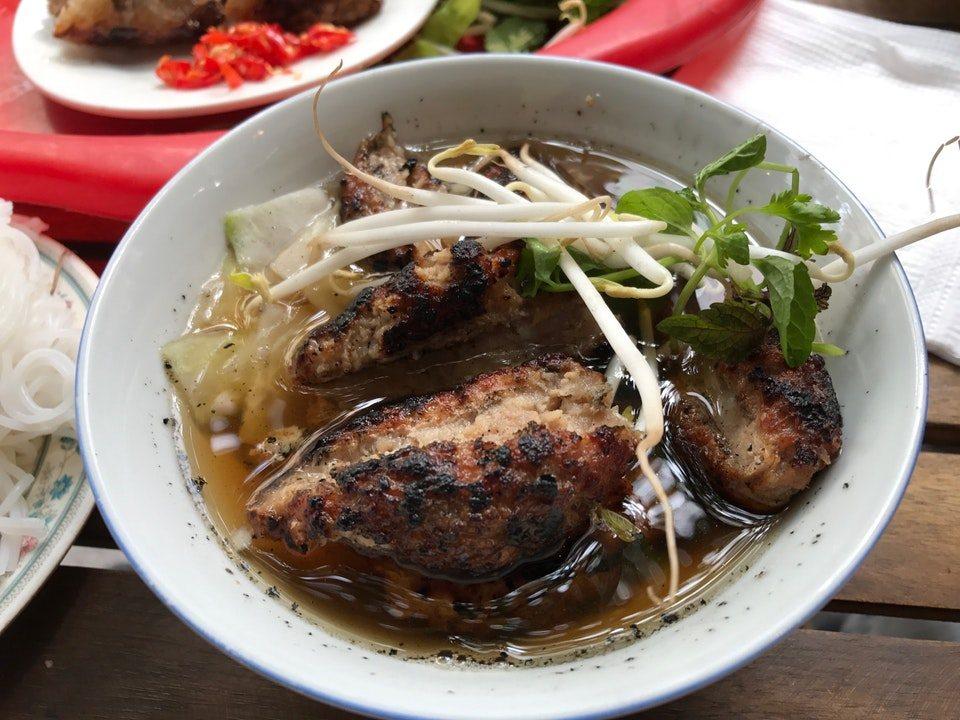 phat loc-kebab rice noodle-bun cha-best kebab rice noodle in ha noi1
