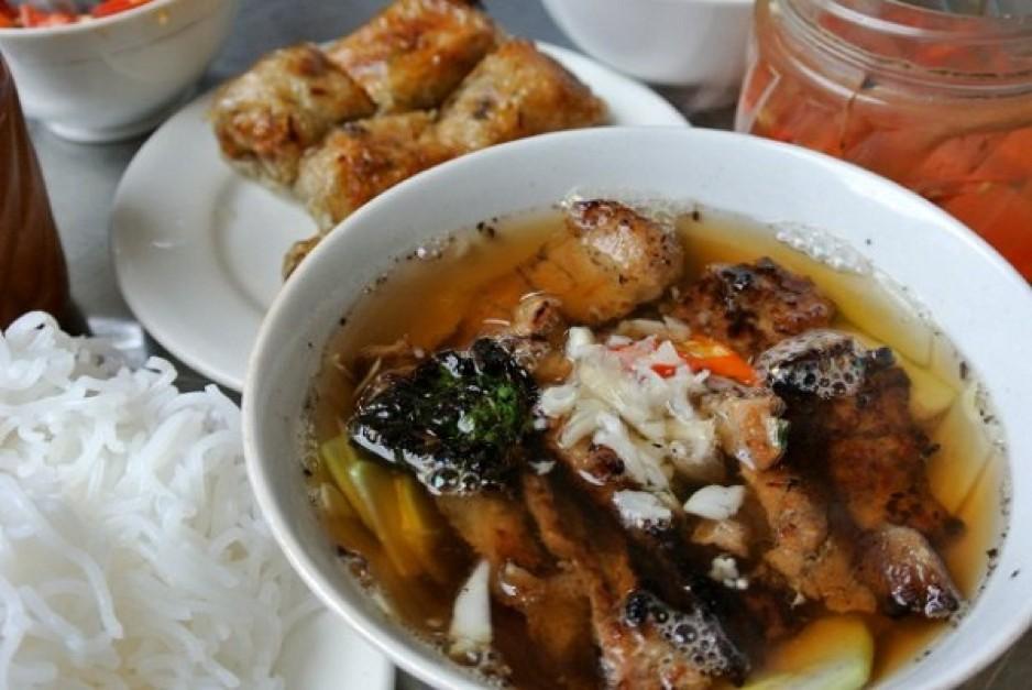 sinh tu-kebab rice noodle-bun cha-sinh tu-best kebab rice noodle in ha noi4