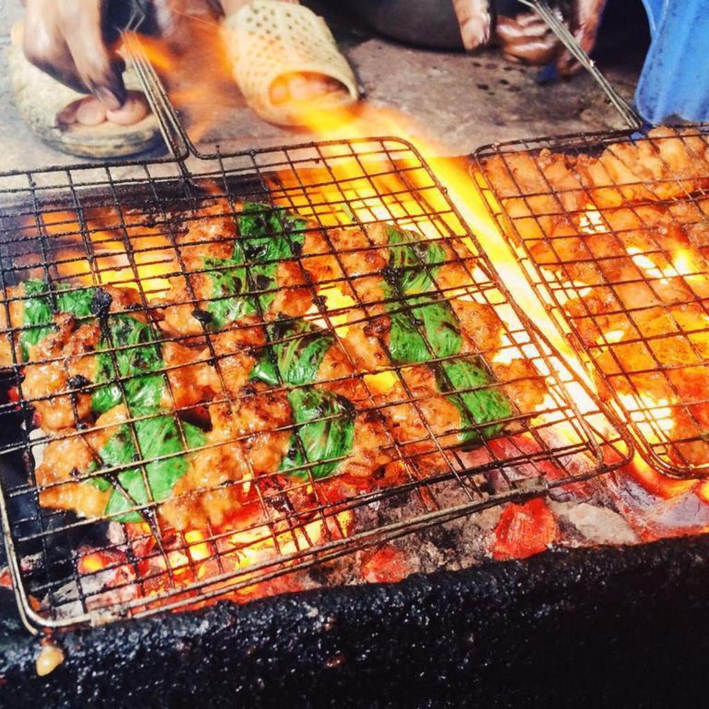 yen bai-kebab rice noodle-bun cha-best kebab rice noodle in ha noi1