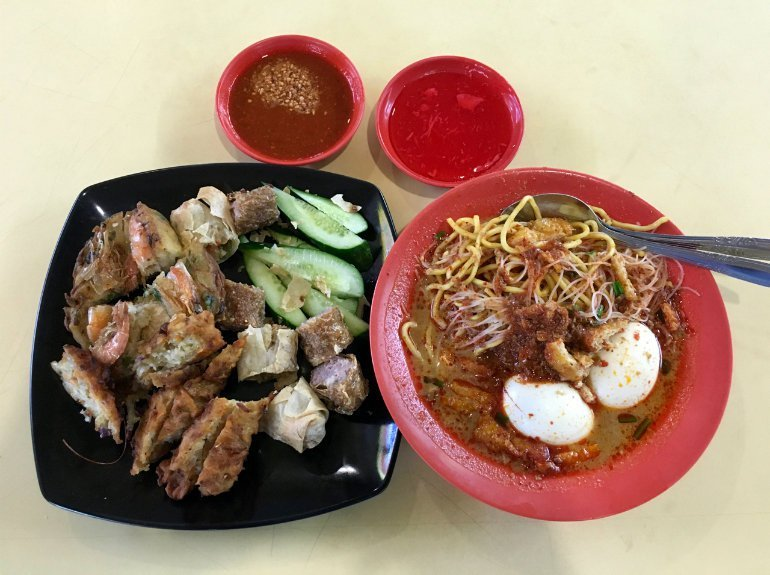 Tekka Centre-best-place-to-enjoy-food-in-singapore6