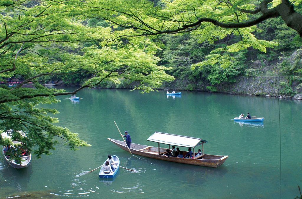 boat riding on Arashiyama kyoto 35