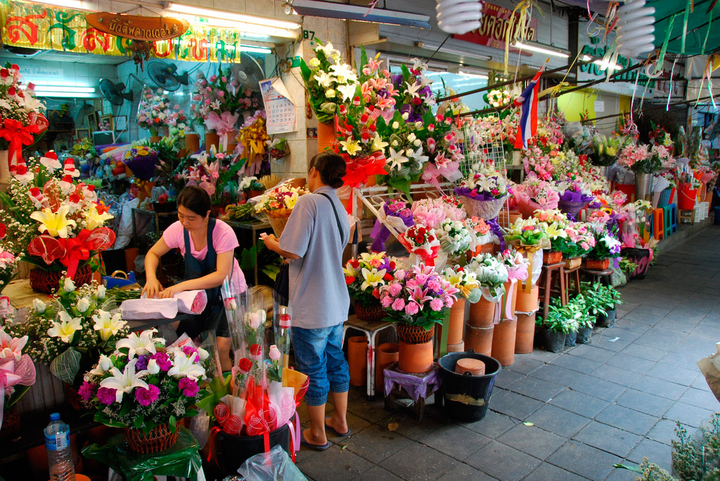Flower-Market-in-Bangkok-Thailand