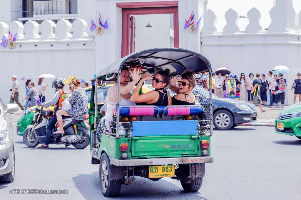 Sitting tuk-tuk: Tuk tuk is definitely something to try when you come to Thailand. A tuk-tuk ride around the city which gives you a chance to see the streets as well as some famous places of interest. If not, you can choose to rent a motorcycle.