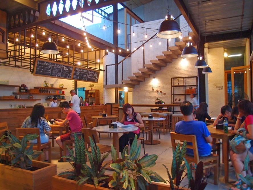 Living Stone Bakery-best-coffee-shops-in-bali5