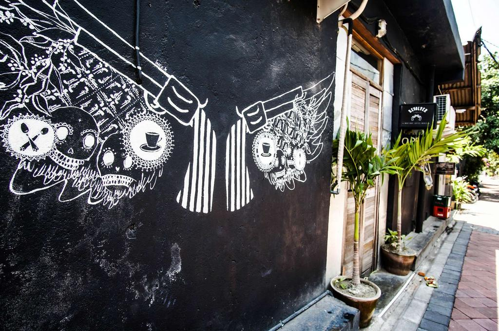 Revolver Espresso -best-coffee-shops-in-bali3