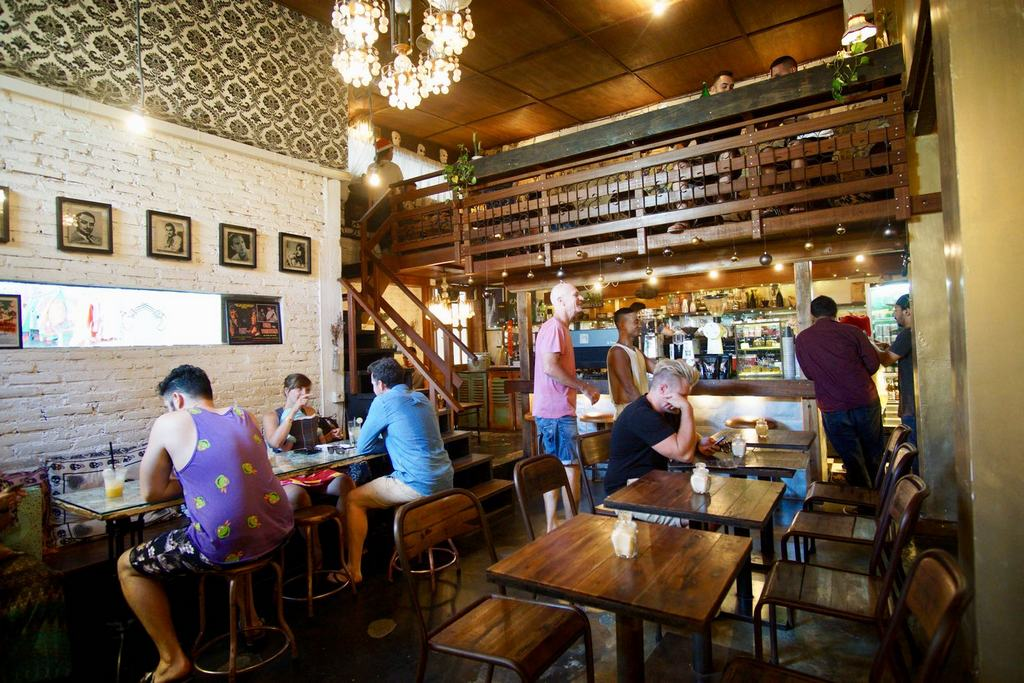 Revolver Espresso -best-coffee-shops-in-bali4