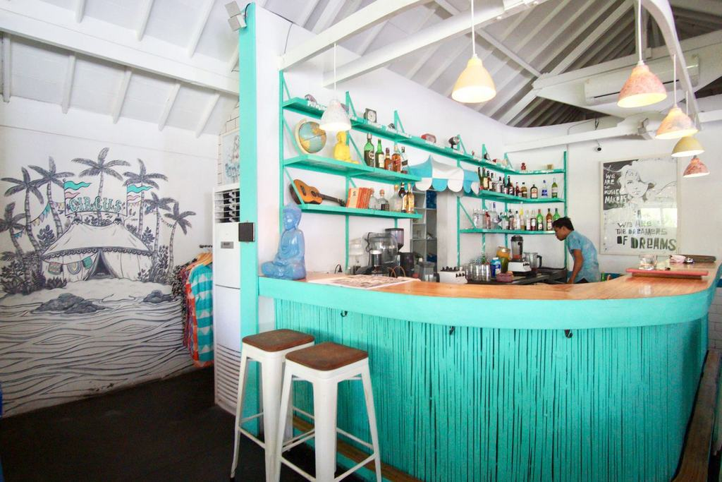 Sea Circus-best-coffee-shops-in-bali1