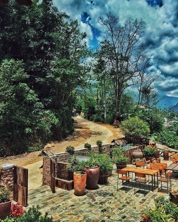 Lá Dao Spa-best-cafes-in-sapa10