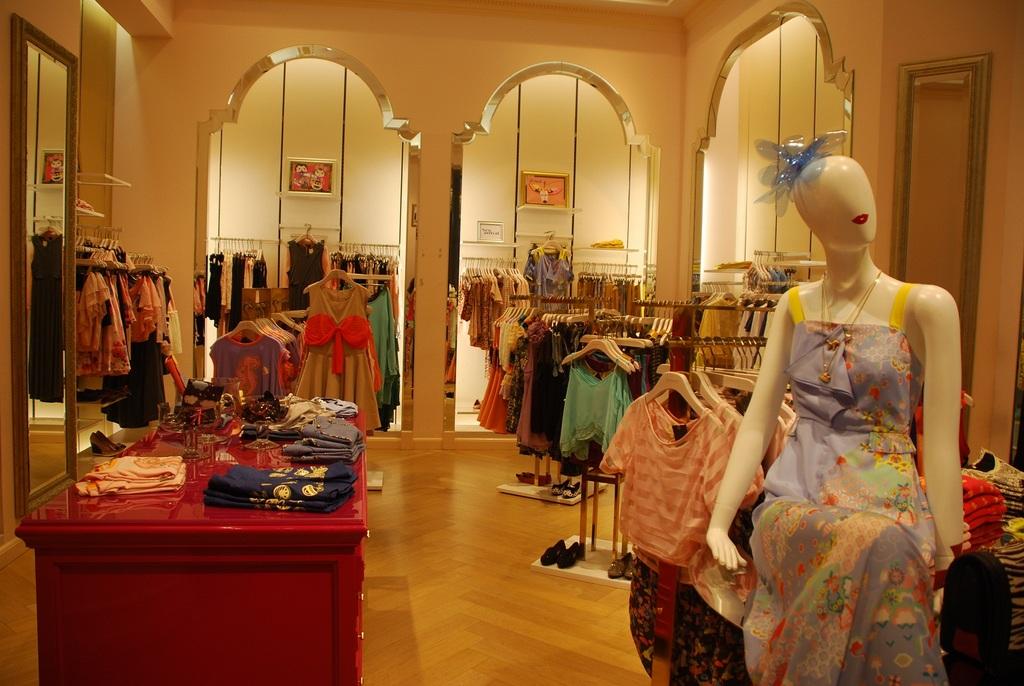 shopping-in-terminal-21-price