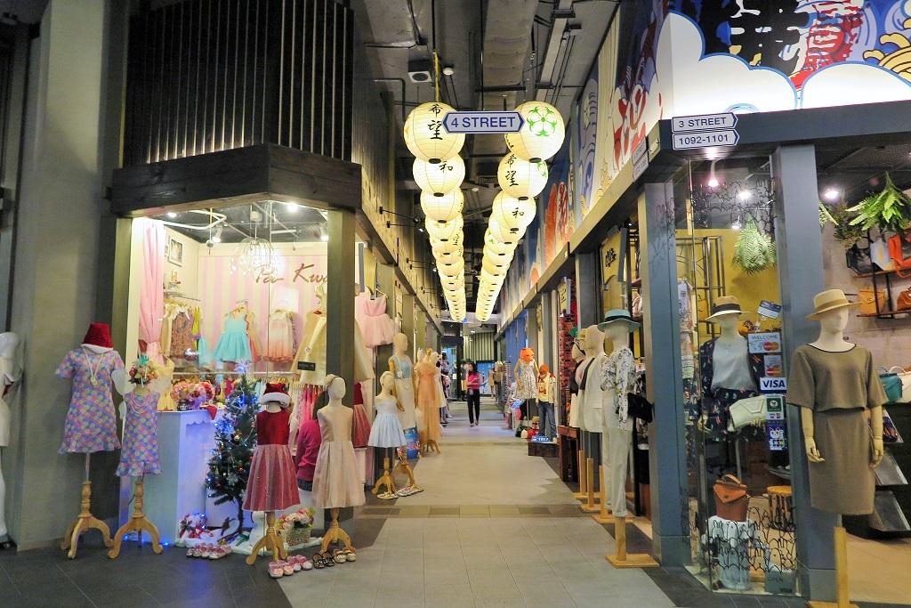 terminal-21-shopping-mall-center-bangkok12