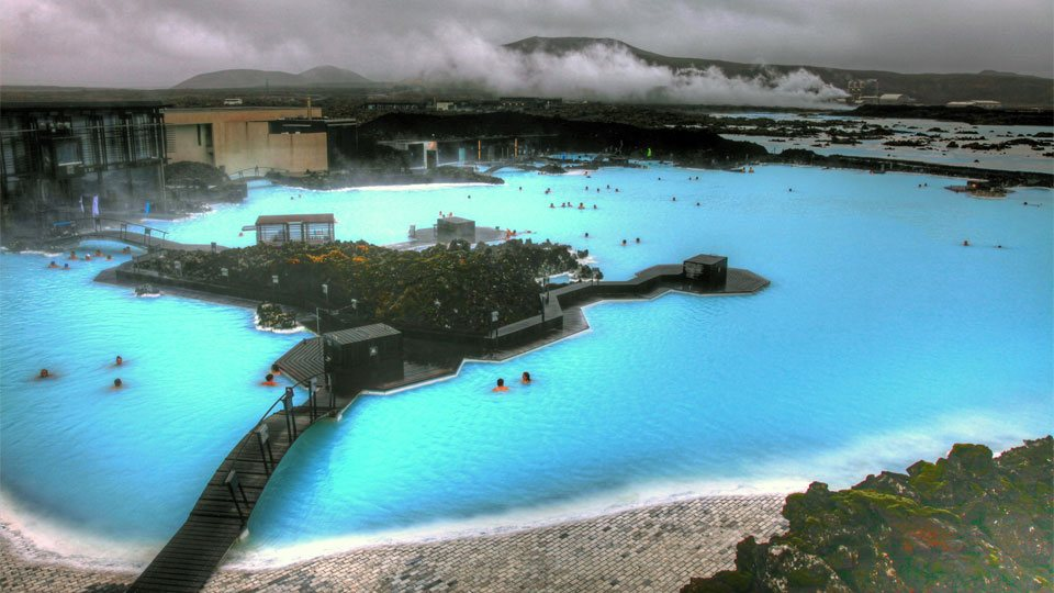 Top 10 most beautiful natural swimming pools in the world for Iceland blue lagoon hotel