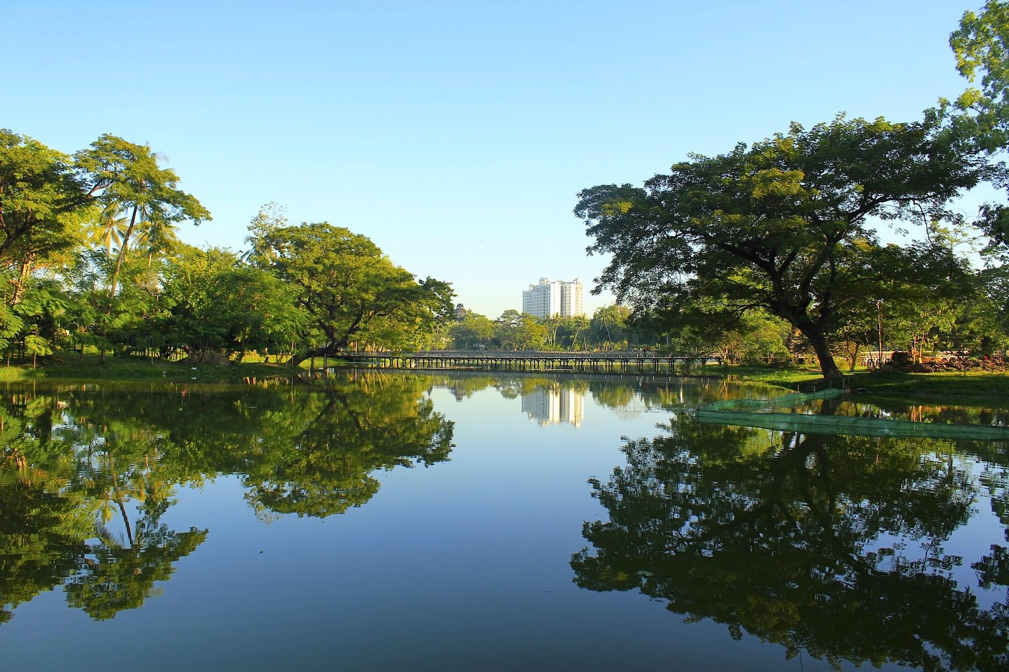 Kandawgyi Lake,Yangon