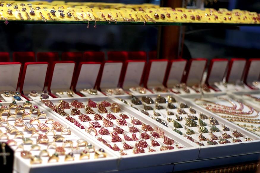 jewelry in Bogyoke Aung San Market