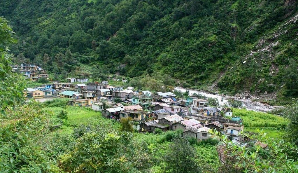 Bhyundar-Village-Hemkund