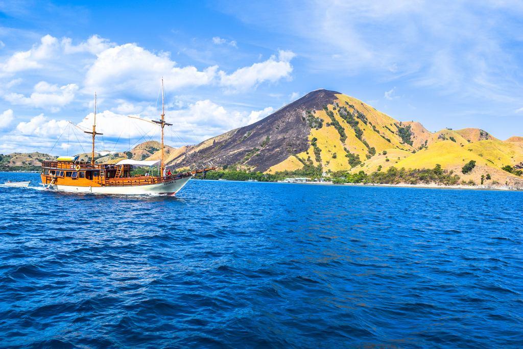 Komodo Island cruise. Image of Labuan Bajo trip blog.