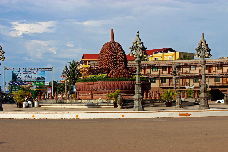 kampot durian-roundabout