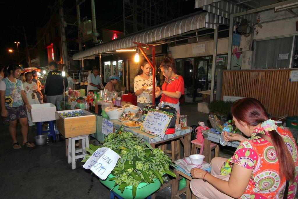 Sompet market chiangmai thailand2 Sompet Market Chiang Mai. Image by Chiang Mai market blog.