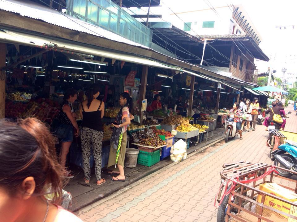 Sompet market chiangmai thailand4