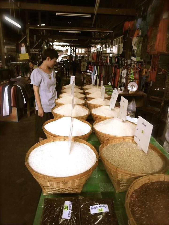 Sompet market chiangmai thailand5