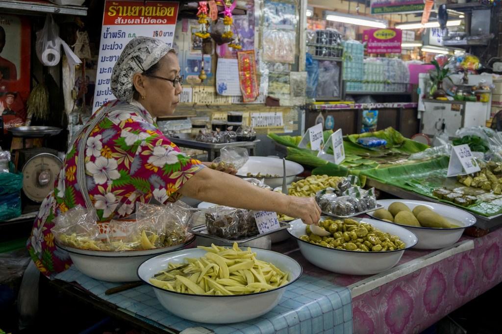 Warorot-Market-chiangmai thailand4