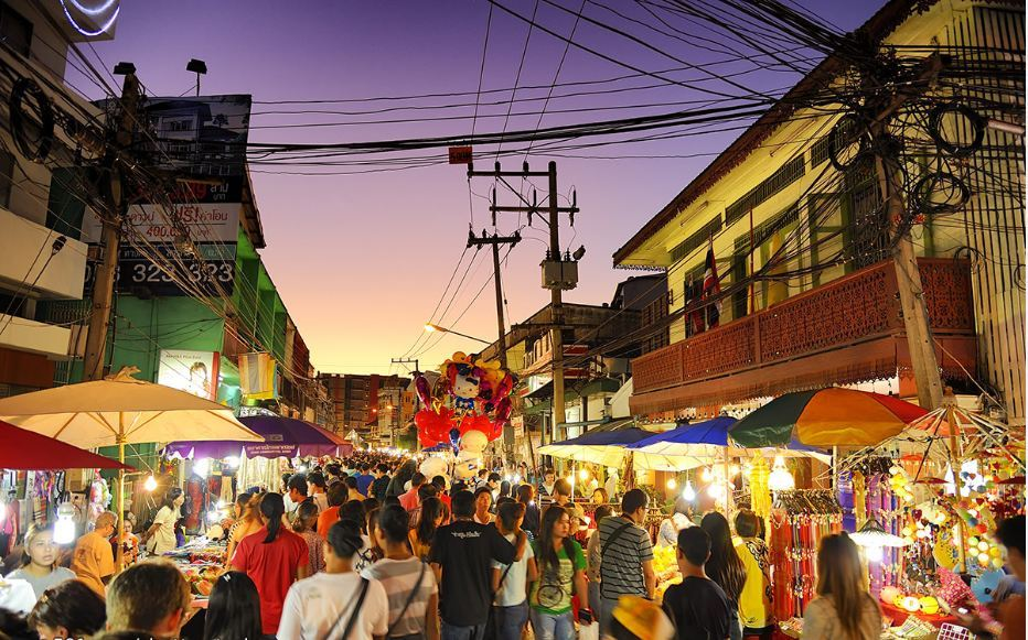 chiang mai market the fair saturday-chiang mai1 Saturday Night Market Walking Street