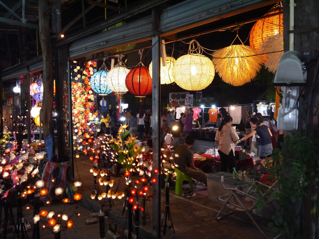the fair sunday-chiang mai7