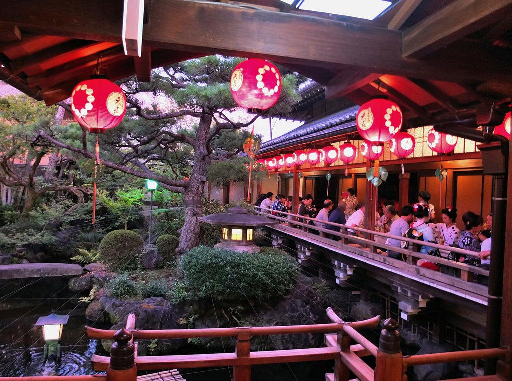 Kamishichiken Beer Garden,Kyoto1