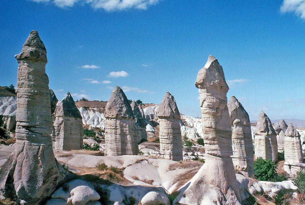 Göreme Cappadocia valley turkey Credit: Cappadocia Turkey blog.