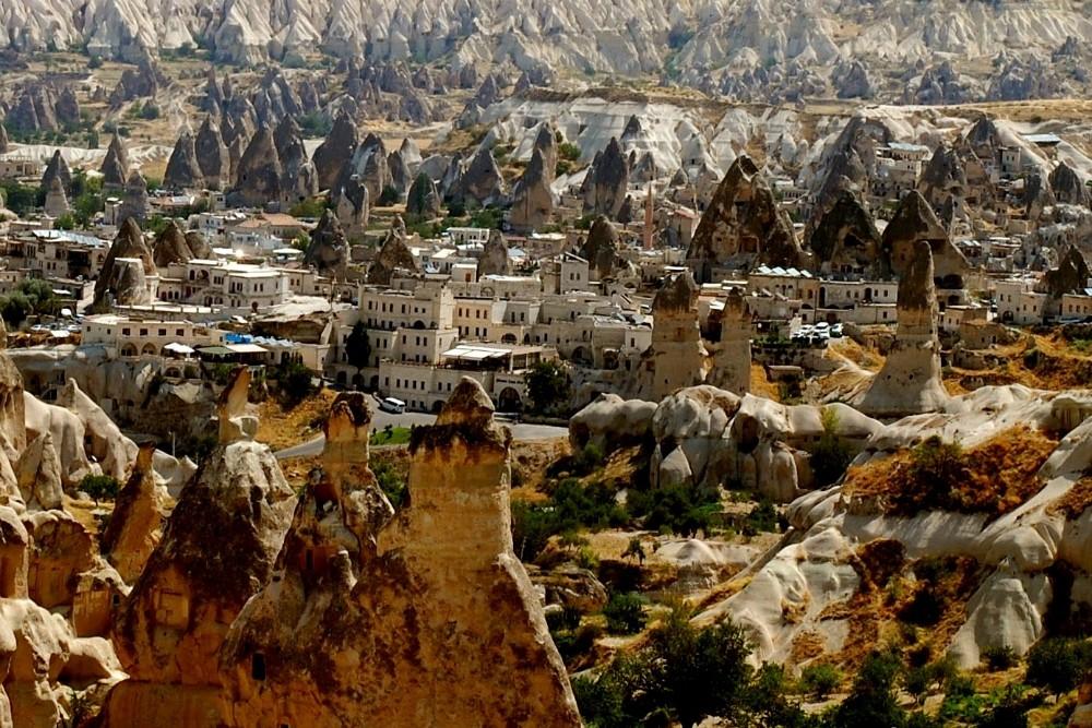 Göreme Cappadocia valley turkey2 Credit: Cappadocia Turkey blog.