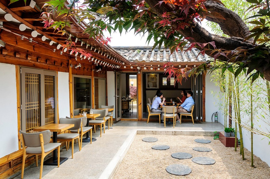 Small House Cafe in Bukchon Hanok Village