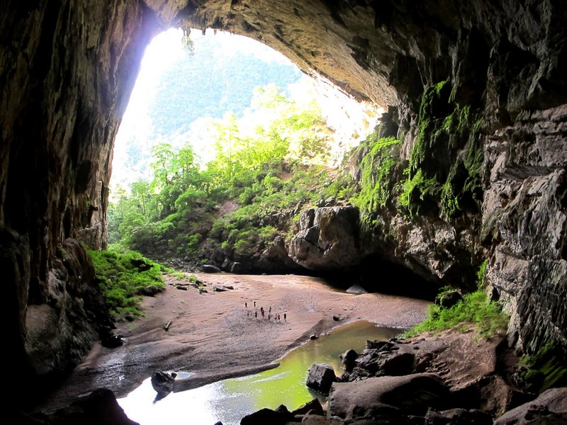 En Cave, Quang Binh1