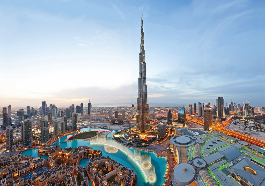 Burj Khalifa- beautiful city-dubai-best thing to do in dubai