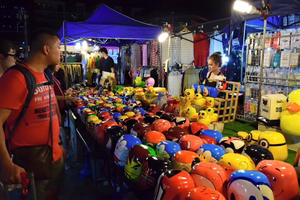 Explore Rod Fai Night Market — One of the most attractive ...
