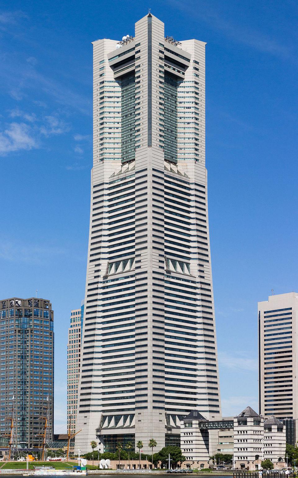 1200px-Yokohama_Landmark_Tower_201507