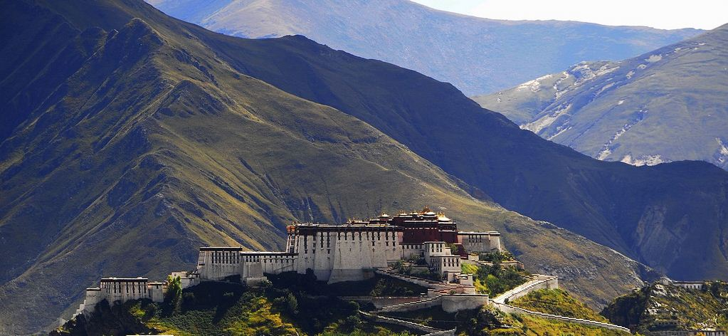 highest potala palace tibet