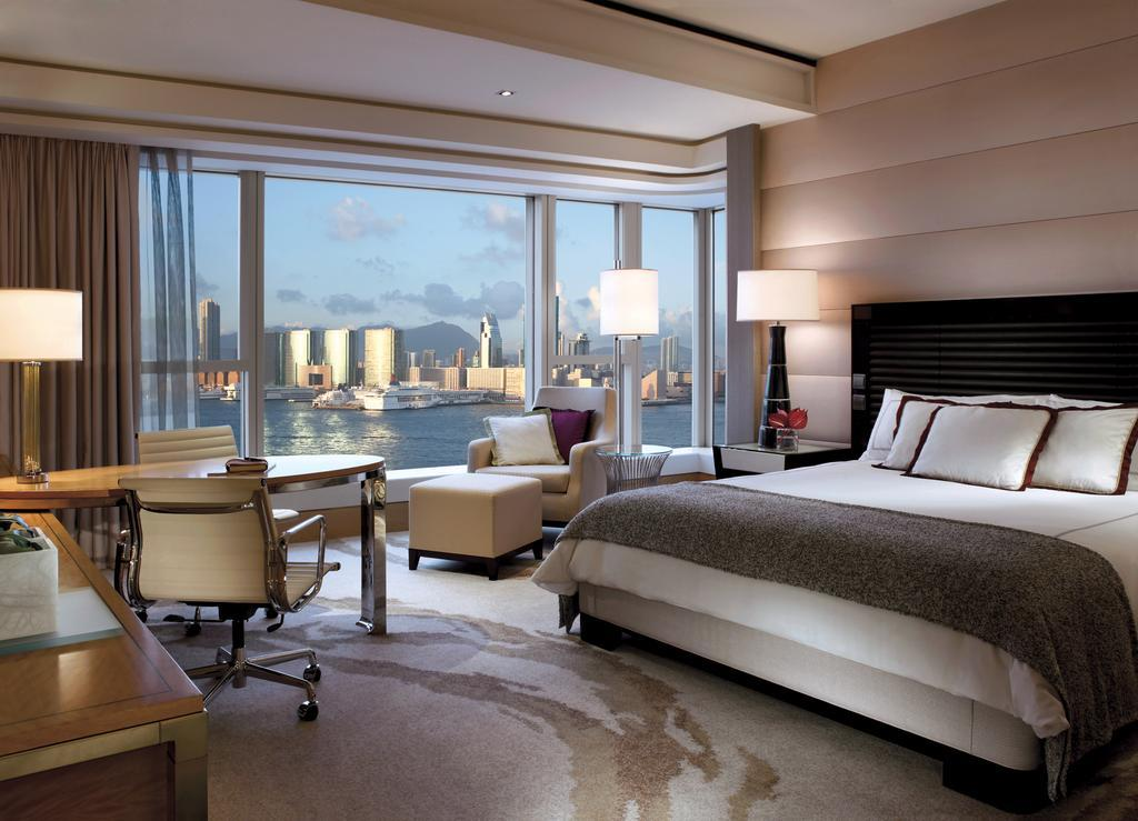 Four Seasons-most-luxury-hotels-in-hong-kong Image: Hong Kong luxury hotels blog.