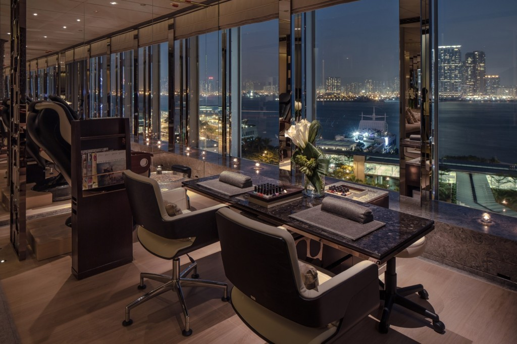 Four Seasons-most-luxury-hotels-in-hong-kong2