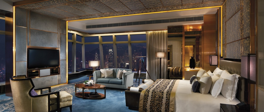 The Ritz-Carlton-most-luxury-hotels-in-hong-kong Credit: most expensive hotels in Hong Kong blog.