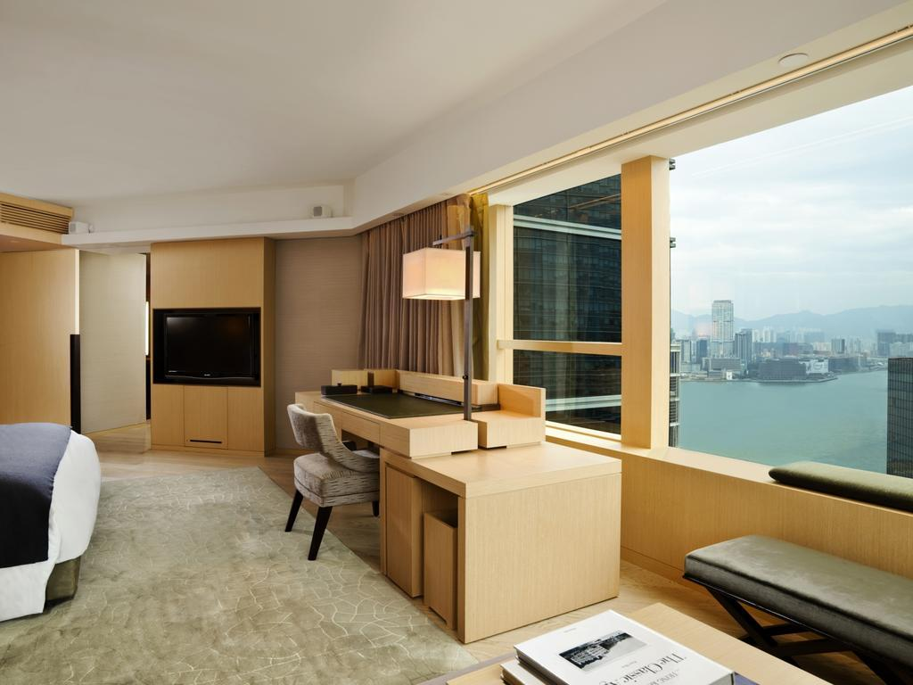 the-upper-house-penthouse-most-luxury-hotels-in-hong-kong4