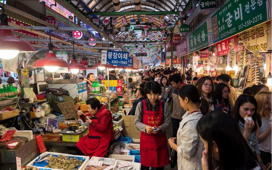 Gwangjang-night-market-korea-tips to save money in Korea