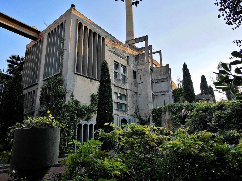 La Fabrica Ricardo Bofill residence la fabrica barcelona (17 ...
