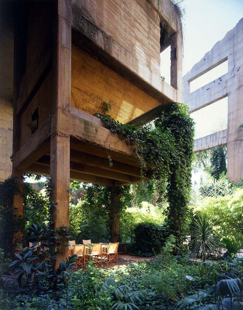 La Fabrica Ricardo Bofill residence la fabrica barcelona (2 ...