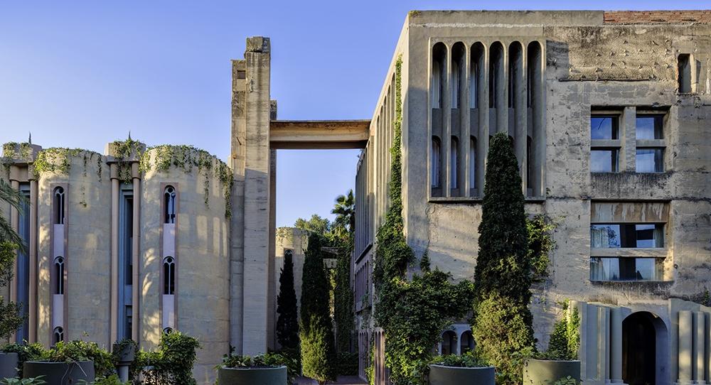 La Fabrica Ricardo Bofill residence la fabrica barcelona (5 ...