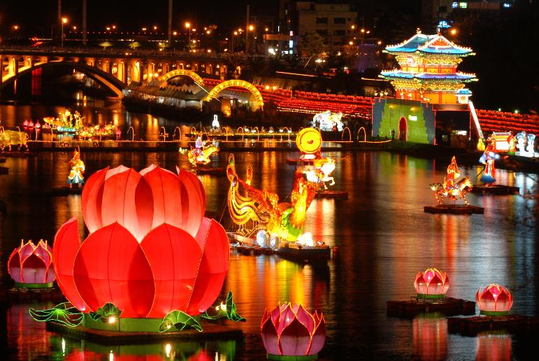 10. Jinju Lantern Festival1