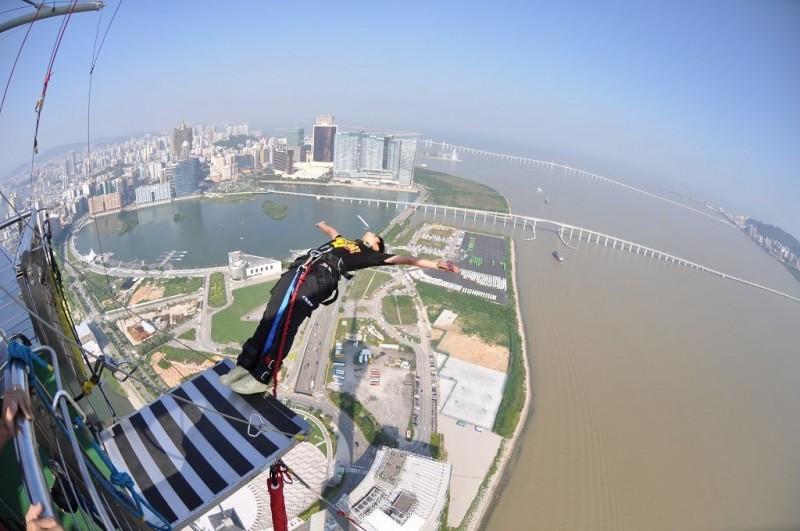 Bungee jumping1