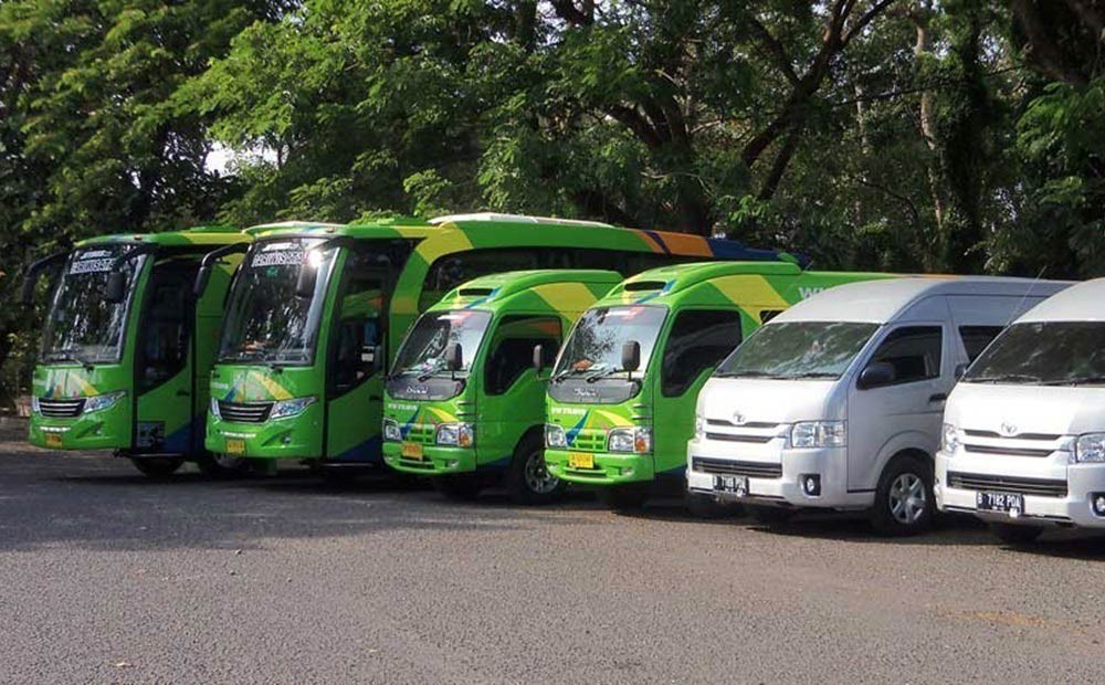 bus-transportation-in-bali-indonesia Credit: bali trip budget.