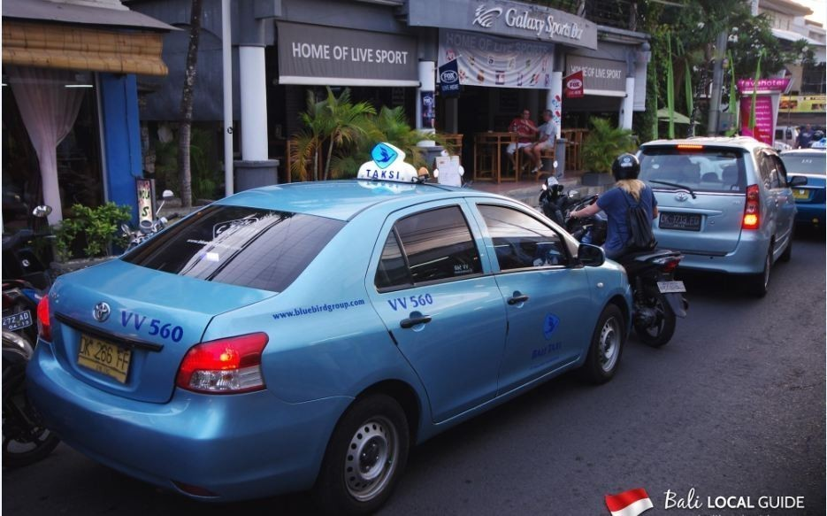 taxi-transportation-in-bali-indonesia Photo by: getting around Bali blog.