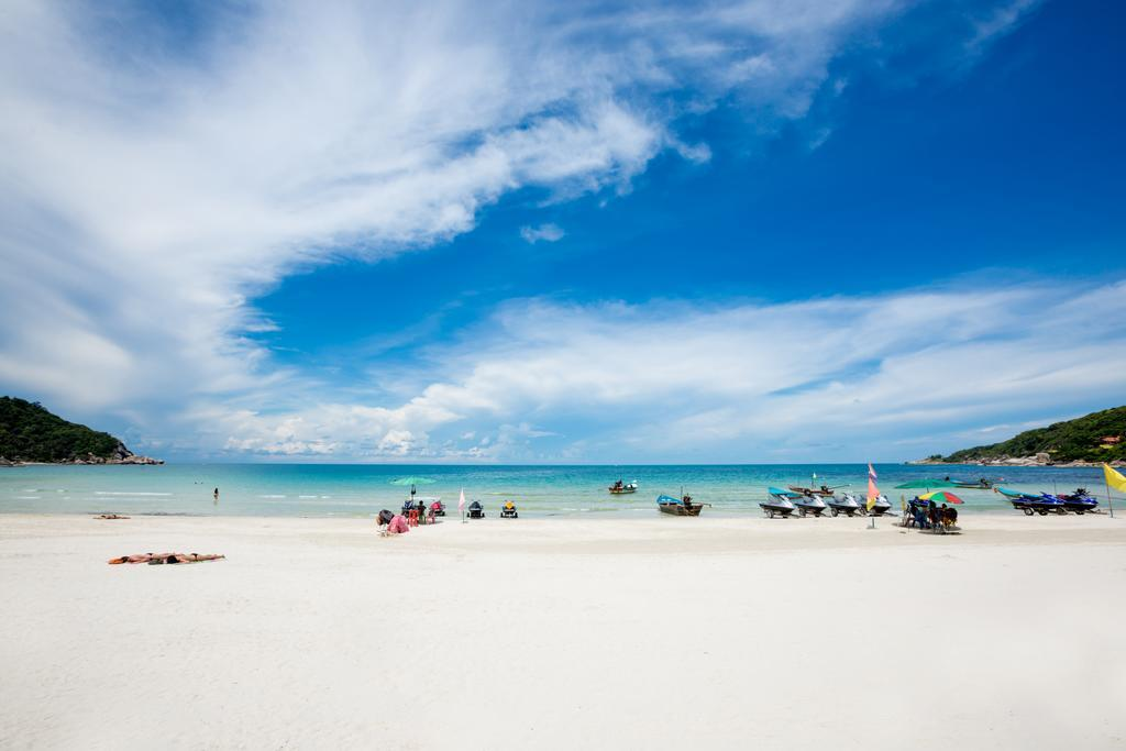 Haad Rin beach_best beutiful beaches in koh phangan2