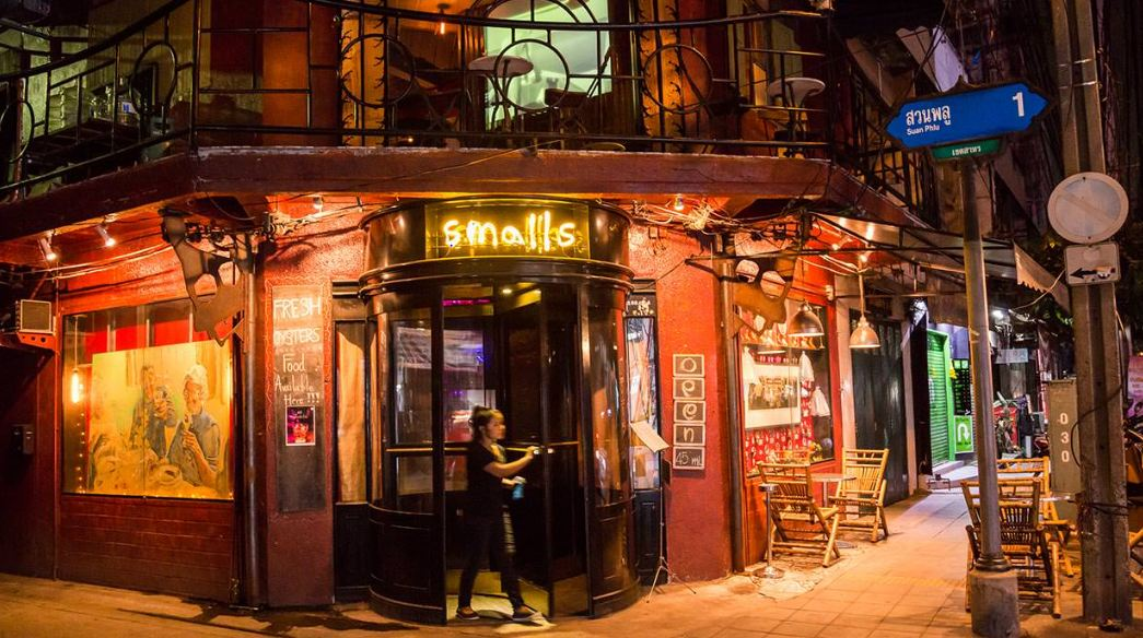 Smalls Bar, Bangkok2
