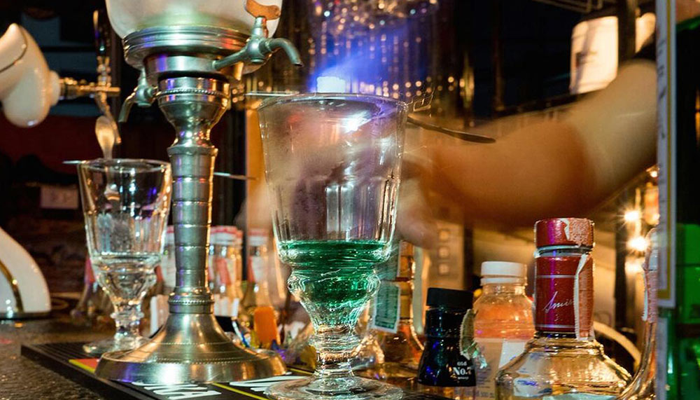 Smalls bar1 Credit: top bars in Bangkok blog.